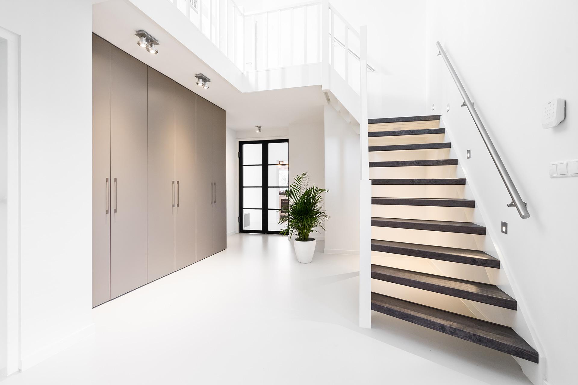 Neubau und Treppenrenovierung durch Treppen-Experte